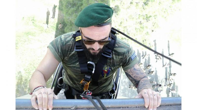 Γιώργος Τίρρης – Ο ΛΟΚατζής που παραδίδει μαθήματα ζωής – Καταρριχήθηκε με το αναπηρικό του καροτσάκι (Photos – Video)